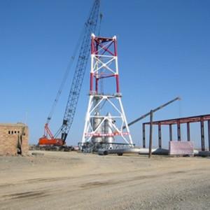 平博88塔架的吊装